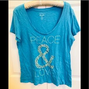 4 / $25 Old navy peace & love short sleeve t-shirt